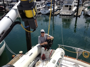 Lifting the outboard with the Superwinch