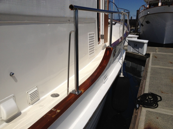 Starboard cap rail