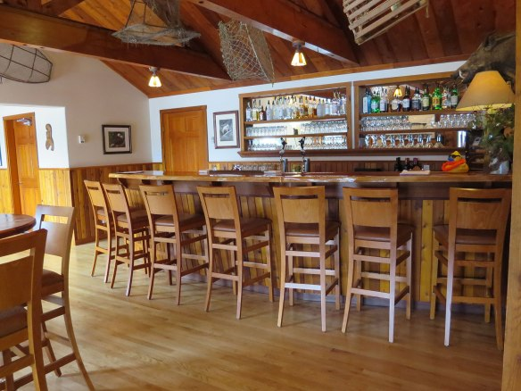 dent island lodge bar