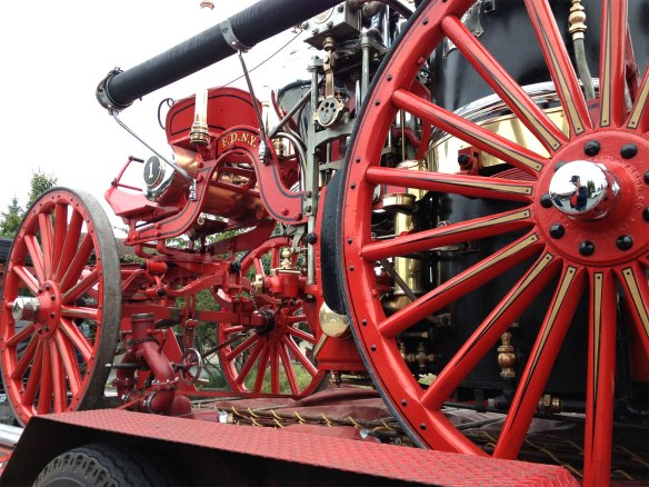 steam fire engine, right side