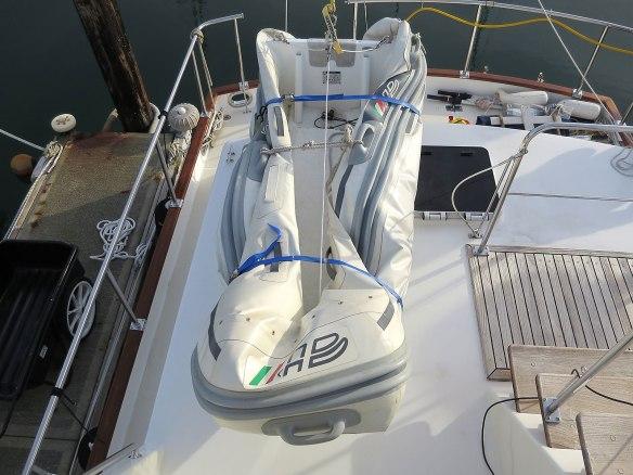 folded-up dinghy 02