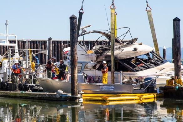 salvage diver anacortes marina boat fire