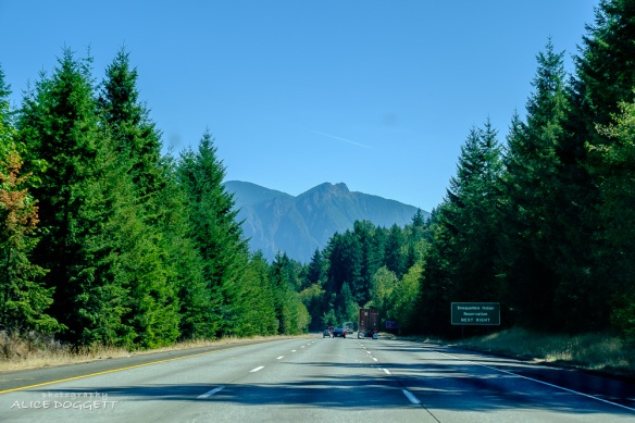 I-90 heading south toward Snoqualmie Pass